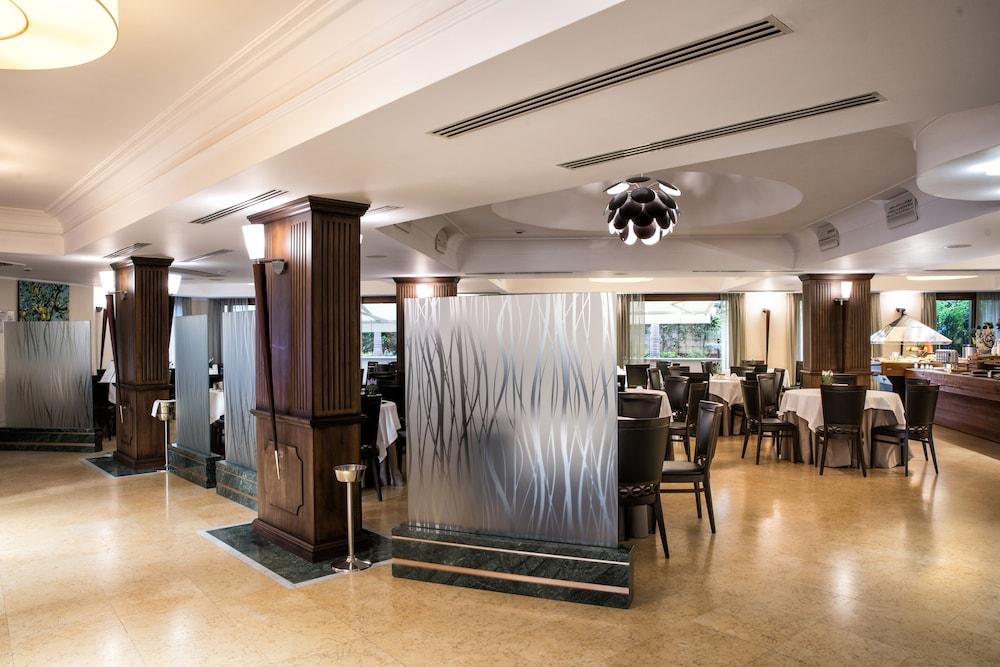 아르테미스 호텔(Artemis Hotel) Hotel Image 40 - Breakfast Area