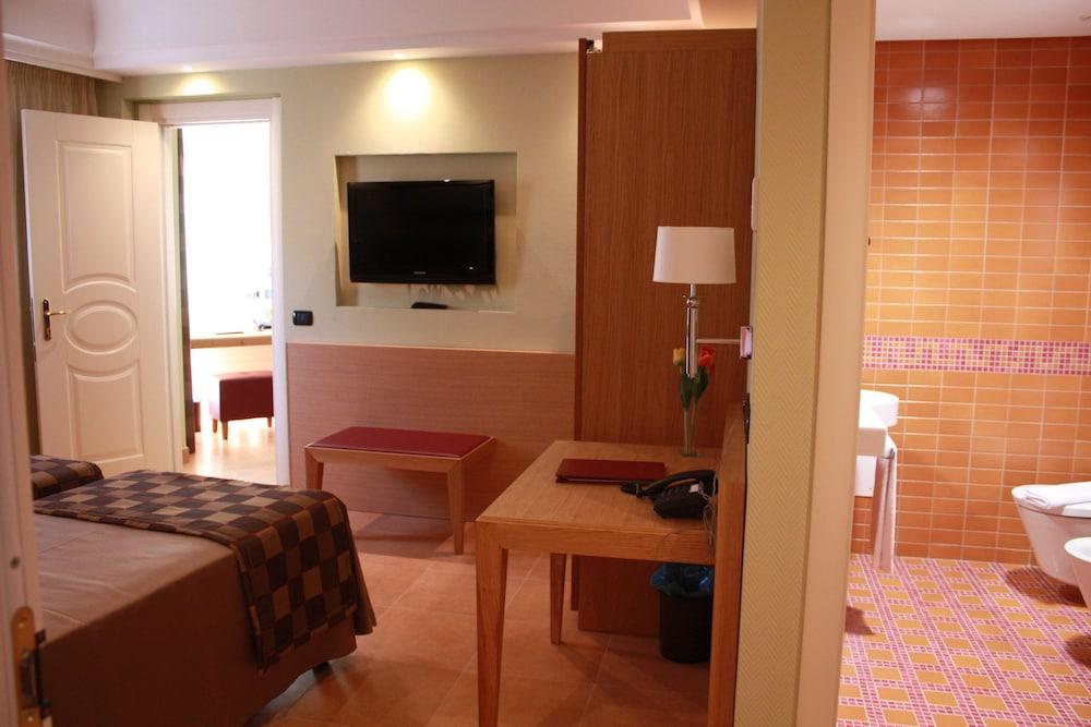 아르테미스 호텔(Artemis Hotel) Hotel Image 20 - In-Room Amenity