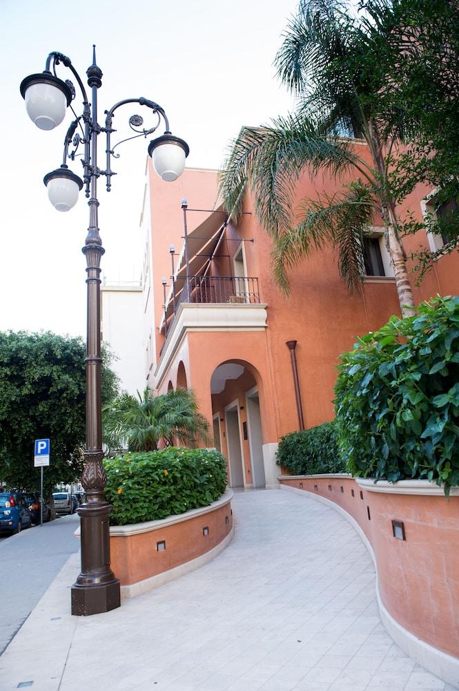 아르테미스 호텔(Artemis Hotel) Hotel Image 47 - Hotel Entrance