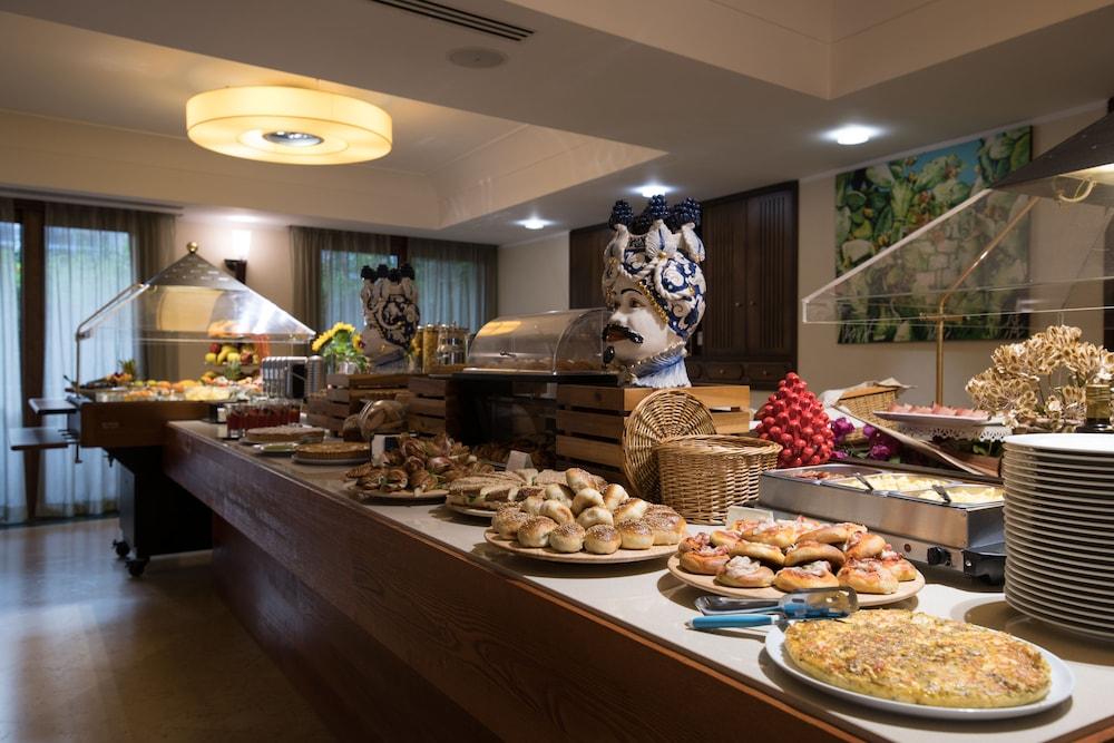 아르테미스 호텔(Artemis Hotel) Hotel Image 37 - Breakfast Area