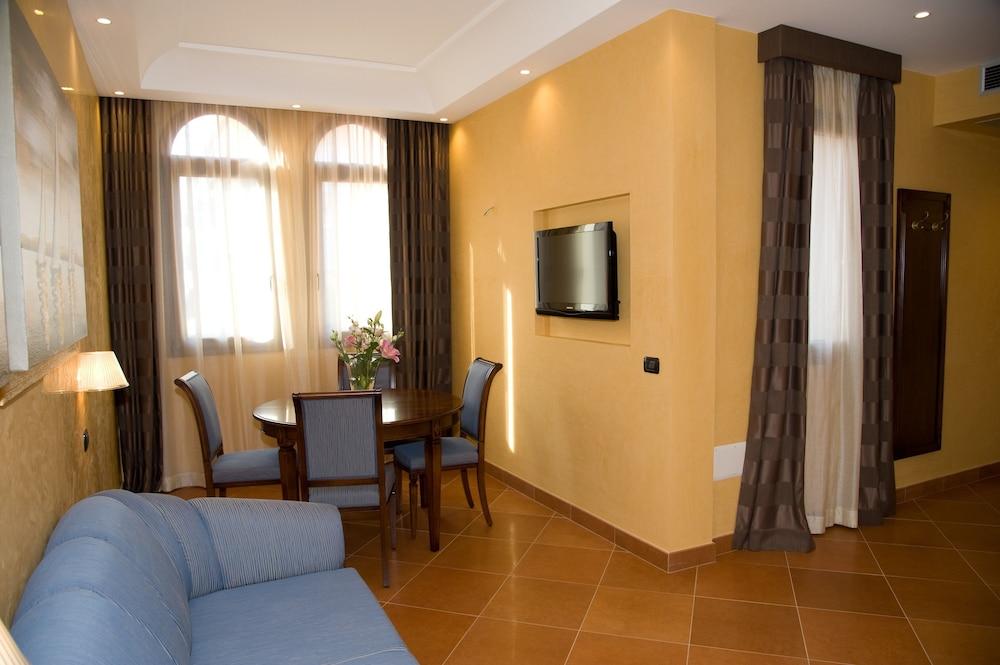 아르테미스 호텔(Artemis Hotel) Hotel Image 17 - Living Area