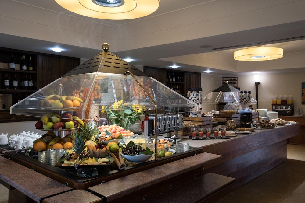 아르테미스 호텔(Artemis Hotel) Hotel Image 38 - Breakfast Area