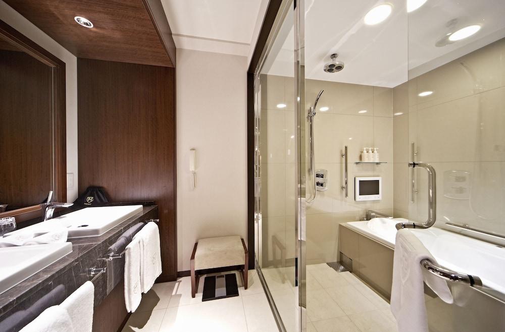 더 로얄 파크 호텔 교토 산조(The Royal Park Hotel Kyoto Sanjo) Hotel Image 32 - Bathroom