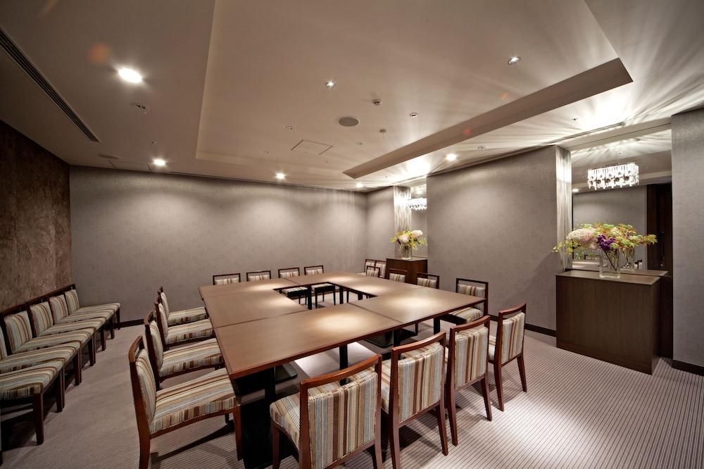 더 로얄 파크 호텔 교토 산조(The Royal Park Hotel Kyoto Sanjo) Hotel Image 41 - Restaurant