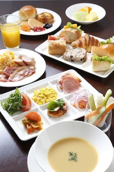 THE ROYAL PARK HOTEL KYOTO SANJO Food and Drink