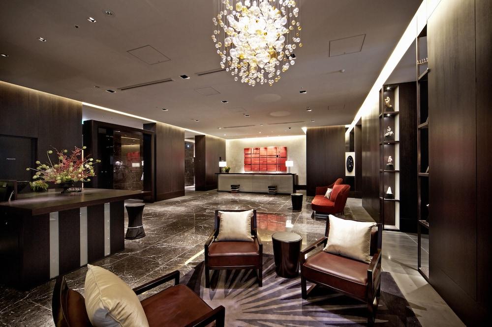 더 로얄 파크 호텔 교토 산조(The Royal Park Hotel Kyoto Sanjo) Hotel Image 4 - Lobby Sitting Area