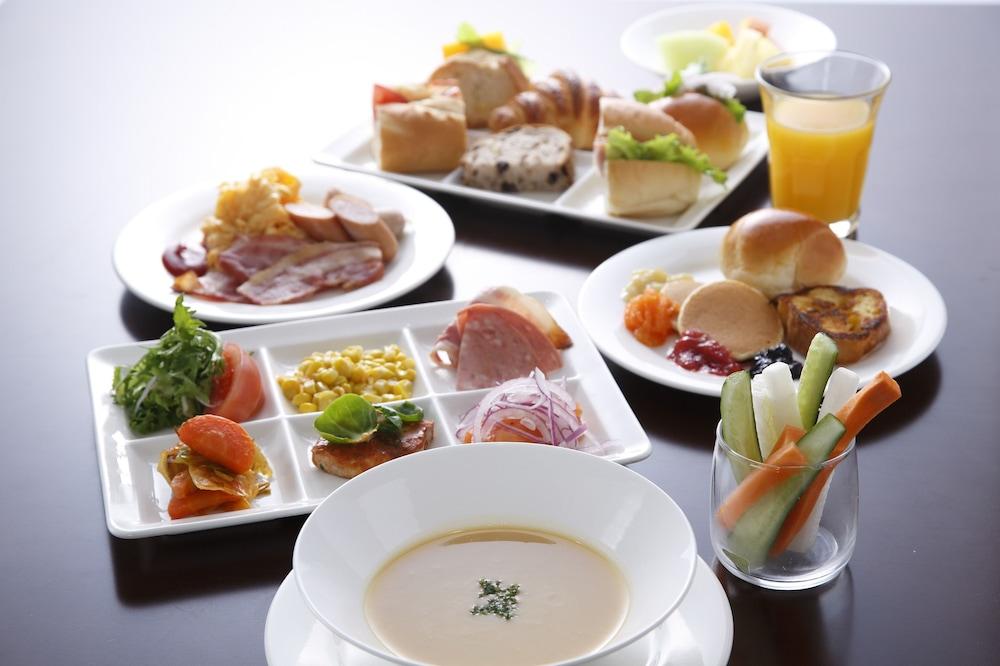 더 로얄 파크 호텔 교토 산조(The Royal Park Hotel Kyoto Sanjo) Hotel Image 46 - Food and Drink