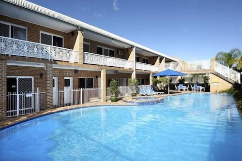 . The Hermitage Motel