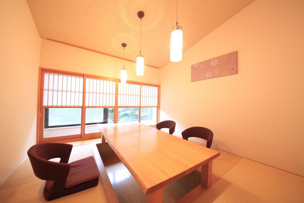 료테이 하나유라 료칸(Ryotei Hanayura Ryokan) Hotel Image 21 - Dining