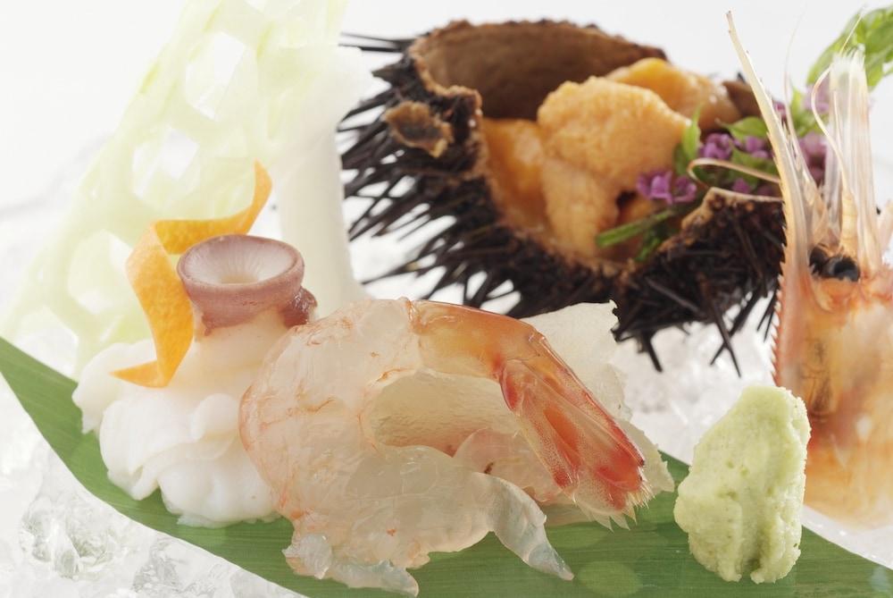 료테이 하나유라 료칸(Ryotei Hanayura Ryokan) Hotel Image 30 - Food and Drink