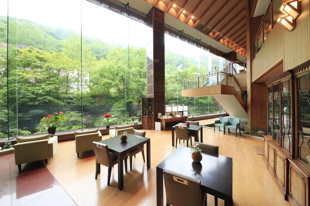료테이 하나유라 료칸(Ryotei Hanayura Ryokan) Hotel Image 2 - Lobby Lounge