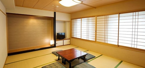 Hotel Harmonie Cinq, Kitakyūshū
