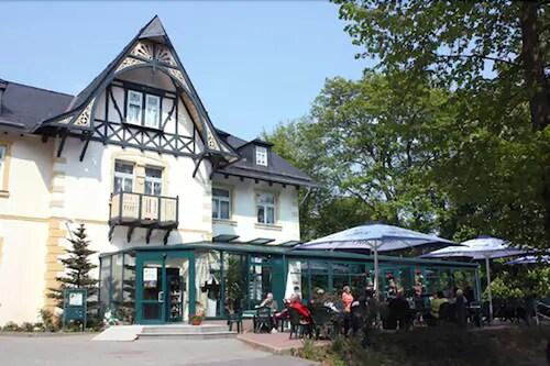 __{offers.Best_flights}__ Parkhotel Waldschlösschen