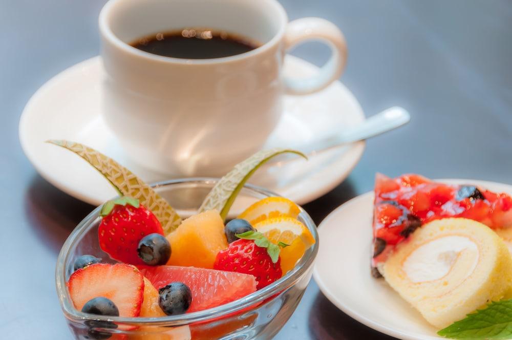 호텔 클러비 삿포로(Hotel Clubby Sapporo) Hotel Image 43 - Food and Drink