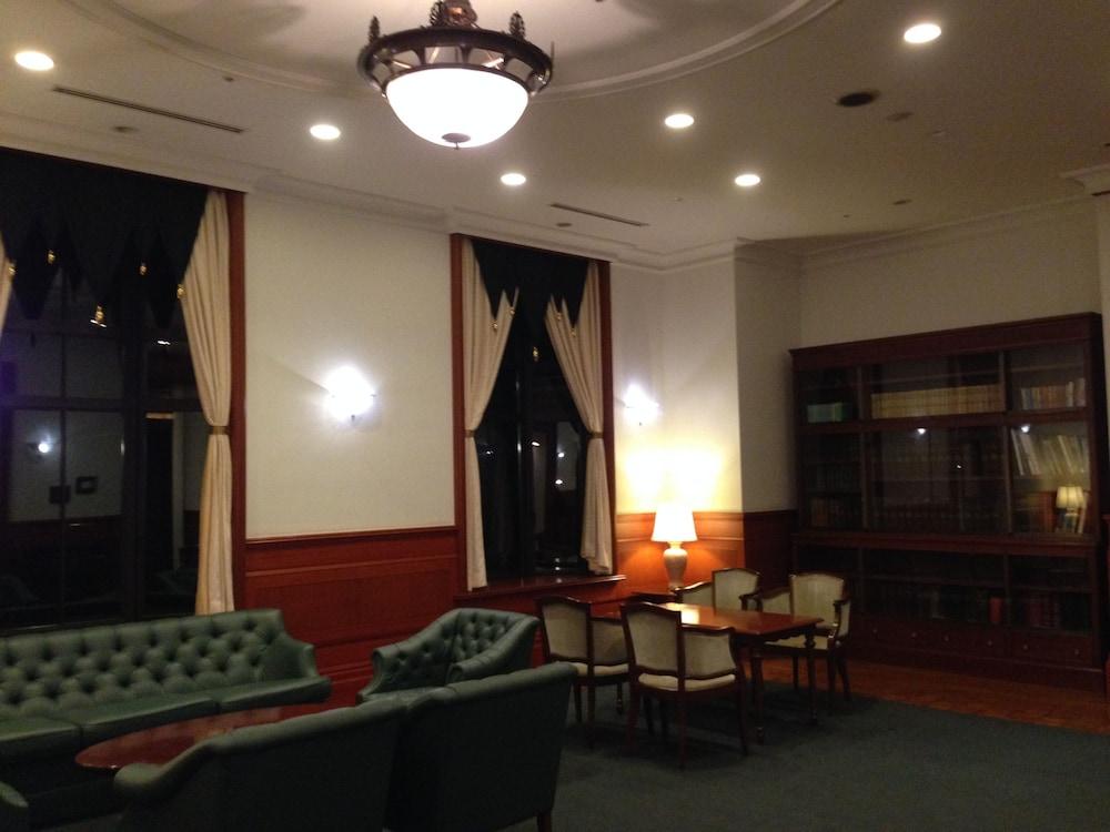 호텔 클러비 삿포로(Hotel Clubby Sapporo) Hotel Image 8 - Lobby Sitting Area