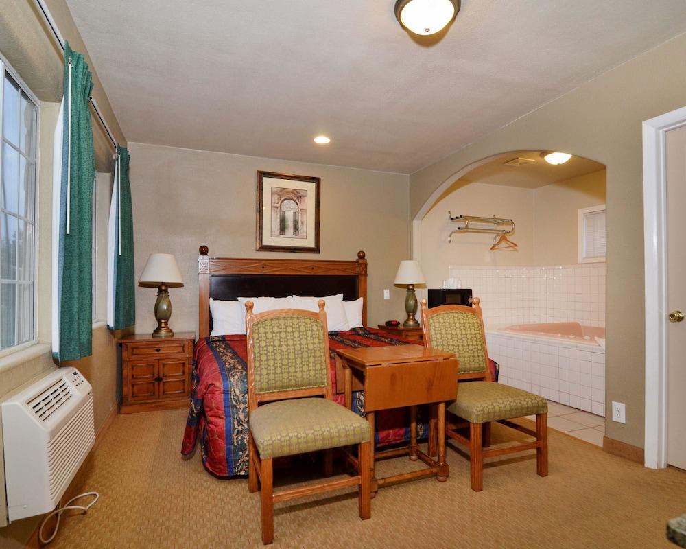 로드웨이 인 & 스위트(Rodeway Inn & Suites) Hotel Image 2 -