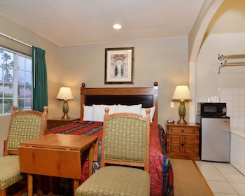 Palm Springs Vacations - Rodeway Inn & Suites - Property Image 9
