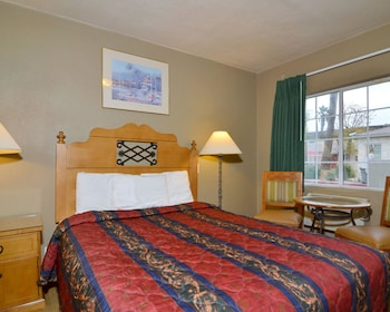 Palm Springs Vacations - Rodeway Inn & Suites - Property Image 10