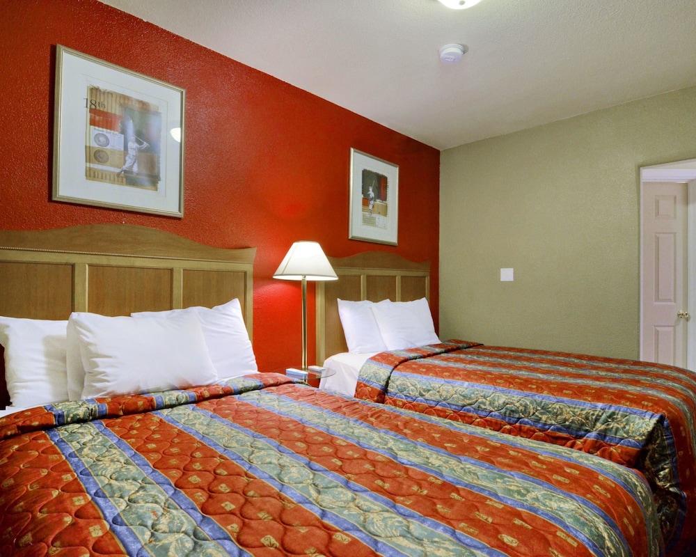 로드웨이 인 & 스위트(Rodeway Inn & Suites) Hotel Image 16 -
