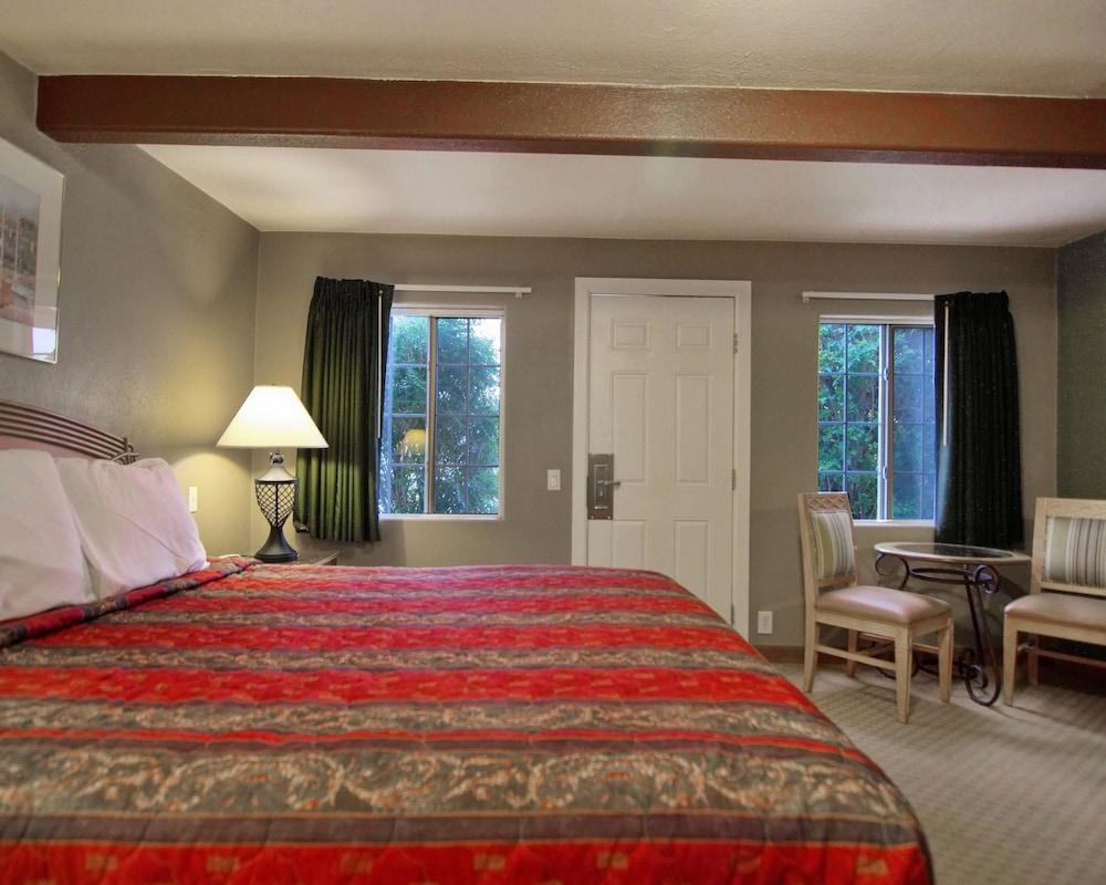 로드웨이 인 & 스위트(Rodeway Inn & Suites) Hotel Image 22 -