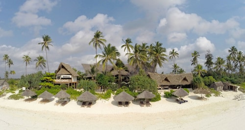 . Kena Beach Hotel
