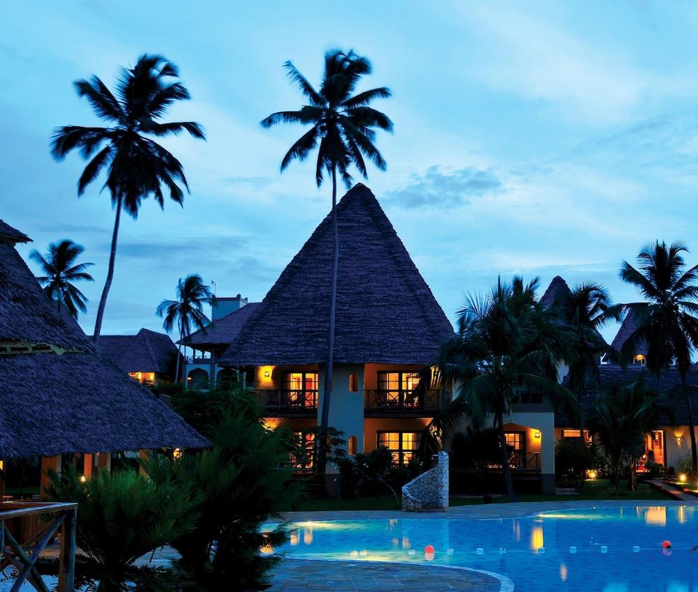 넵튠 프와니 비치 리조트 & 스파 - 올 인클루시브(Neptune Pwani Beach Resort & Spa - All Inclusive) Hotel Image 9 - Guestroom