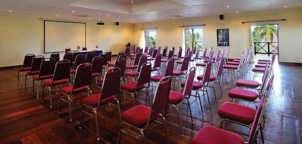 넵튠 프와니 비치 리조트 & 스파 - 올 인클루시브(Neptune Pwani Beach Resort & Spa - All Inclusive) Hotel Image 41 - Meeting Facility