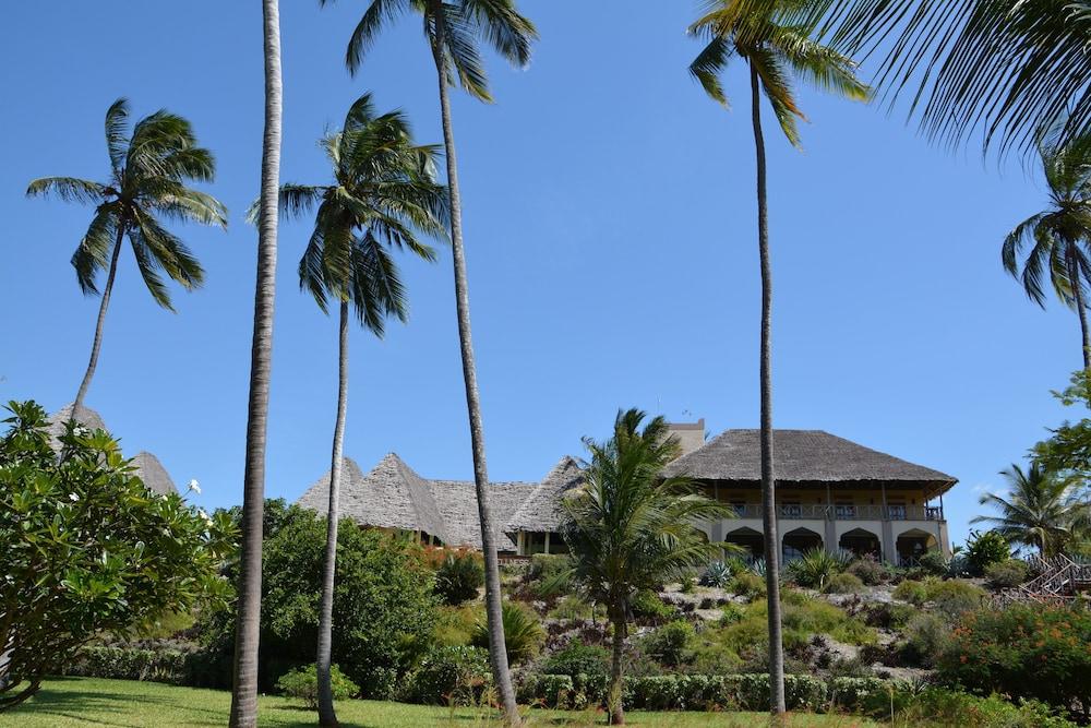 넵튠 프와니 비치 리조트 & 스파 - 올 인클루시브(Neptune Pwani Beach Resort & Spa - All Inclusive) Hotel Image 47 - Hotel Front