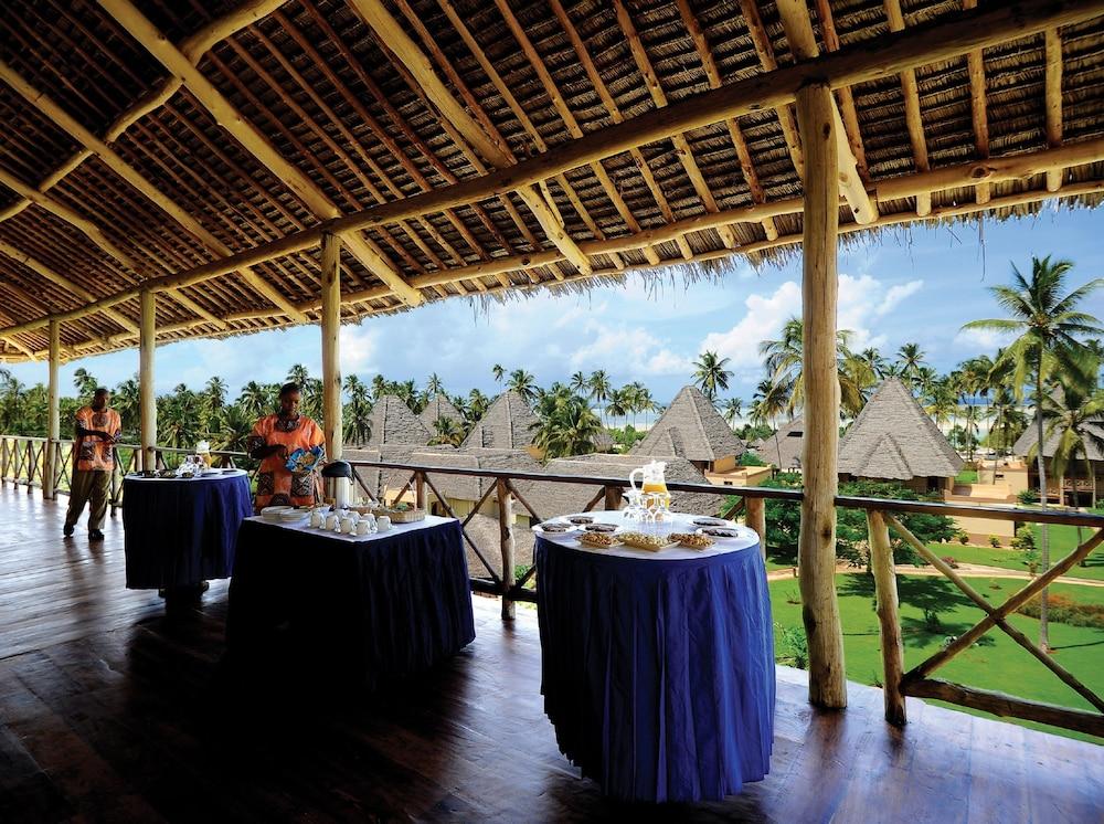 넵튠 프와니 비치 리조트 & 스파 - 올 인클루시브(Neptune Pwani Beach Resort & Spa - All Inclusive) Hotel Image 72 - Outdoor Banquet Area