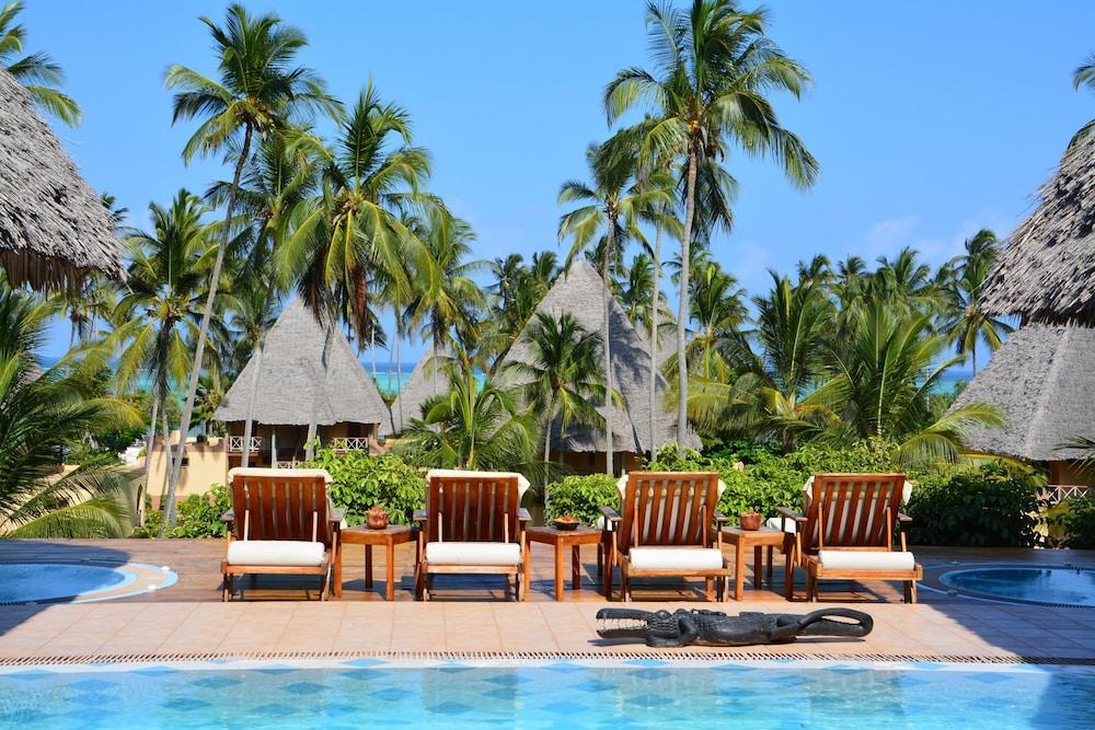 넵튠 프와니 비치 리조트 & 스파 - 올 인클루시브(Neptune Pwani Beach Resort & Spa - All Inclusive) Hotel Image 73 - Sundeck
