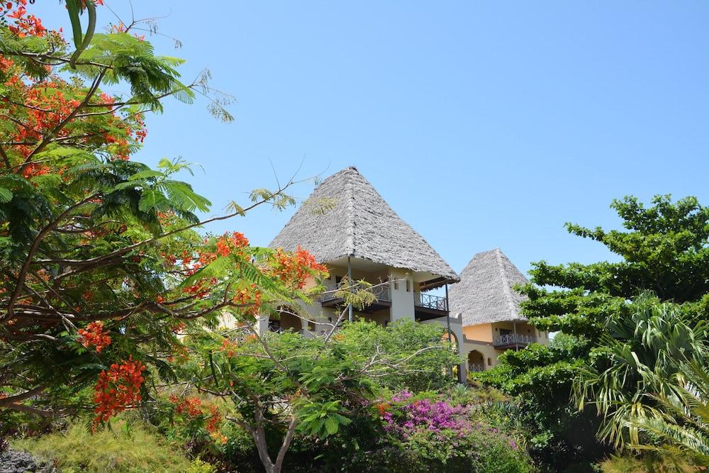 넵튠 프와니 비치 리조트 & 스파 - 올 인클루시브(Neptune Pwani Beach Resort & Spa - All Inclusive) Hotel Image 3 - Guestroom