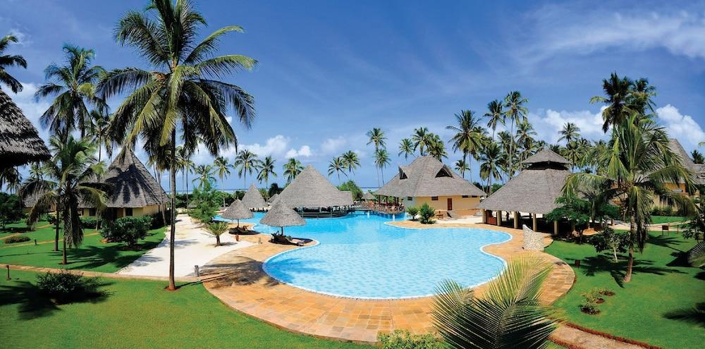 넵튠 프와니 비치 리조트 & 스파 - 올 인클루시브(Neptune Pwani Beach Resort & Spa - All Inclusive) Hotel Image 21 - Outdoor Pool
