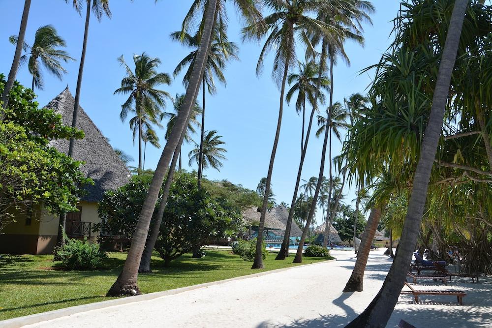 넵튠 프와니 비치 리조트 & 스파 - 올 인클루시브(Neptune Pwani Beach Resort & Spa - All Inclusive) Hotel Image 45 - Property Grounds