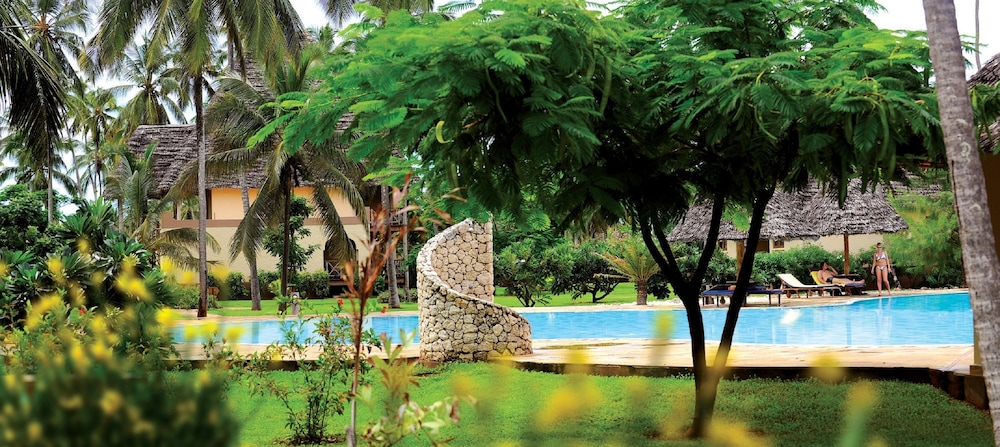 넵튠 프와니 비치 리조트 & 스파 - 올 인클루시브(Neptune Pwani Beach Resort & Spa - All Inclusive) Hotel Image 20 - Outdoor Pool