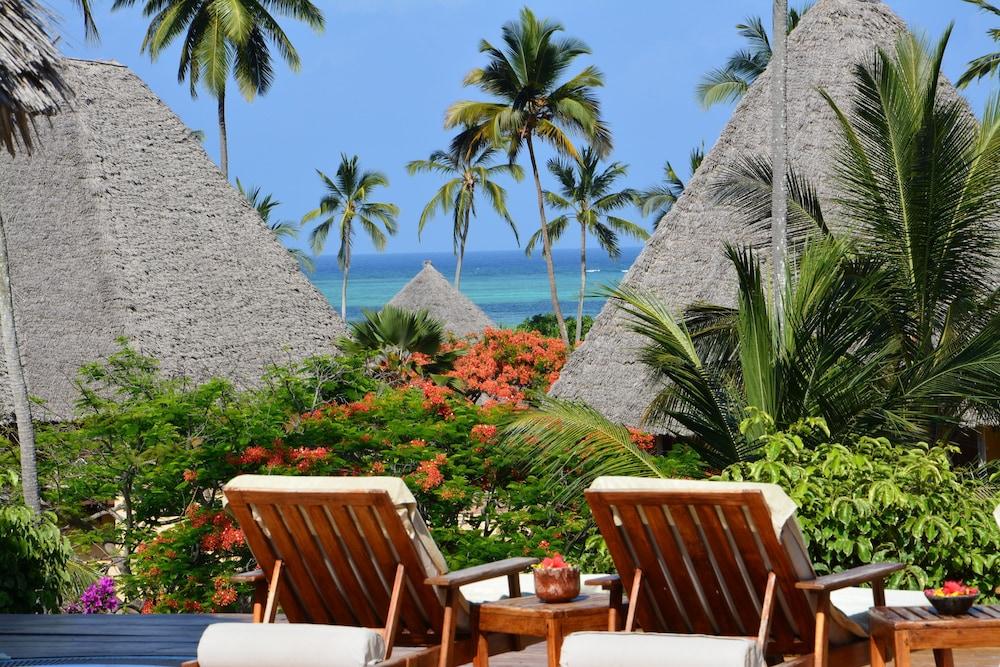 넵튠 프와니 비치 리조트 & 스파 - 올 인클루시브(Neptune Pwani Beach Resort & Spa - All Inclusive) Hotel Image 74 - Sundeck