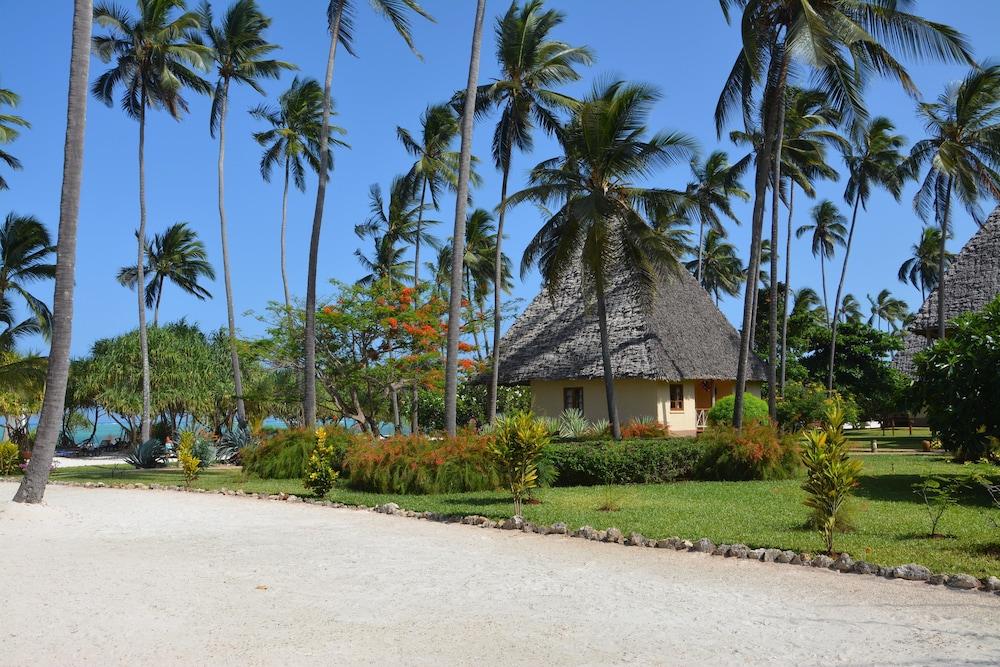 넵튠 프와니 비치 리조트 & 스파 - 올 인클루시브(Neptune Pwani Beach Resort & Spa - All Inclusive) Hotel Image 4 - Guestroom
