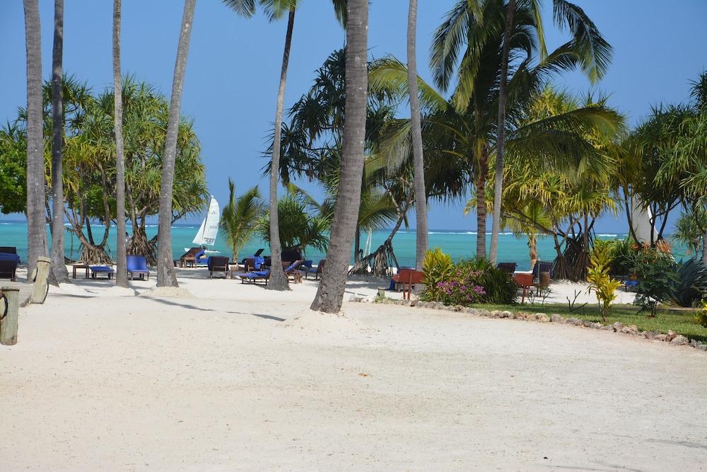 넵튠 프와니 비치 리조트 & 스파 - 올 인클루시브(Neptune Pwani Beach Resort & Spa - All Inclusive) Hotel Image 48 - Beach