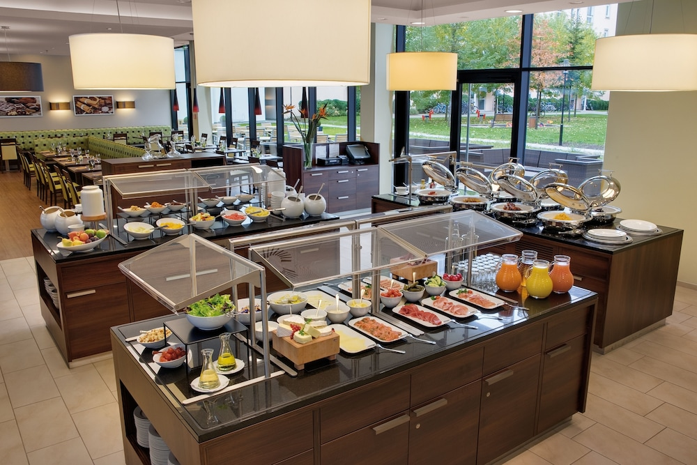 레지던스 인 바이 메리어트 뮌헨 시티 이스트(Residence Inn by Marriott Munich City East) Hotel Image 19 - Buffet