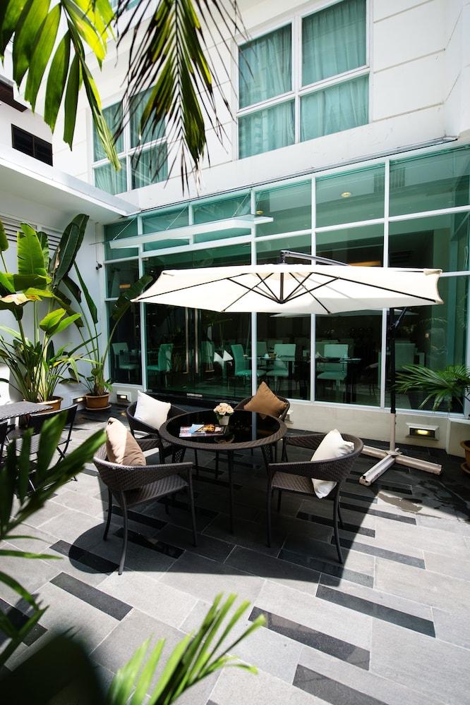 블레스 레지던스(Bless Residence) Hotel Image 54 - Terrace/Patio