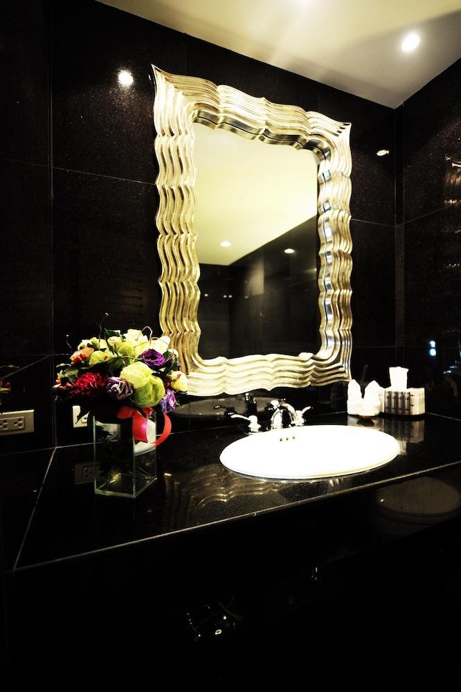 블레스 레지던스(Bless Residence) Hotel Image 35 - Bathroom Sink