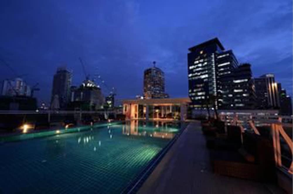 블레스 레지던스(Bless Residence) Hotel Image 3 - Pool