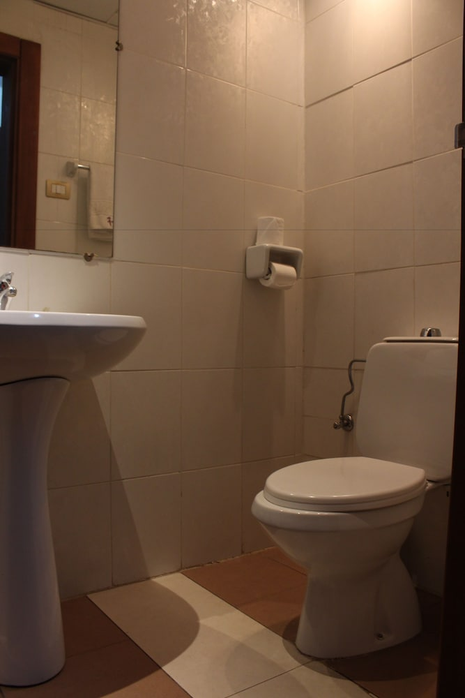 호텔 프랑코(Hotel Franco) Hotel Thumbnail Image 31 - Bathroom