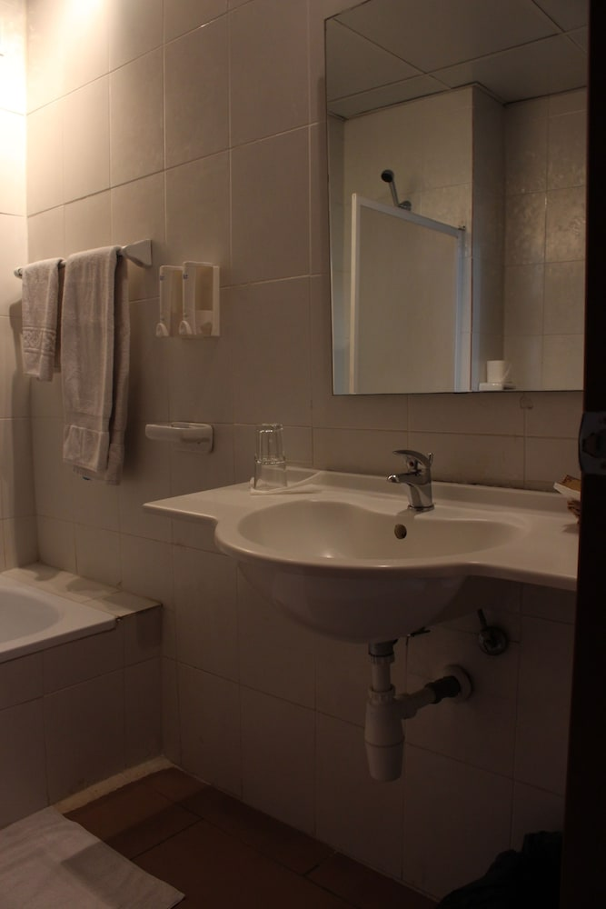 호텔 프랑코(Hotel Franco) Hotel Image 35 - Bathroom