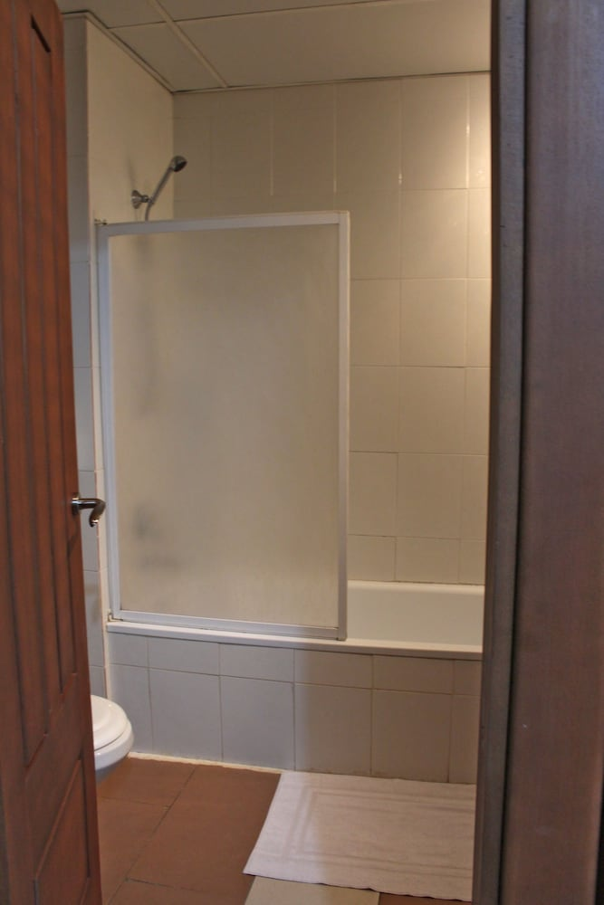 호텔 프랑코(Hotel Franco) Hotel Thumbnail Image 36 - Bathroom