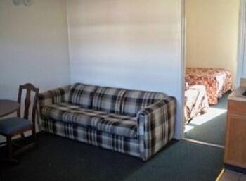 오프쇼어 모텔(Offshore Motel) Hotel Image 6 - Living Area