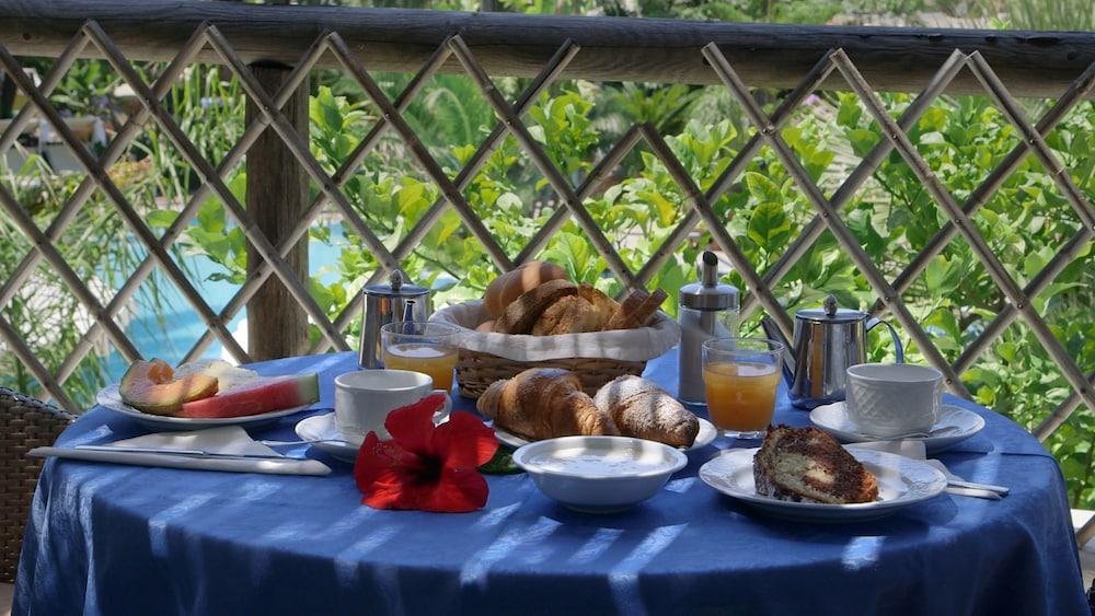 세미라미스 호텔 드 샤름(Semiramis Hotel De Charme) Hotel Image 47 - Outdoor Dining
