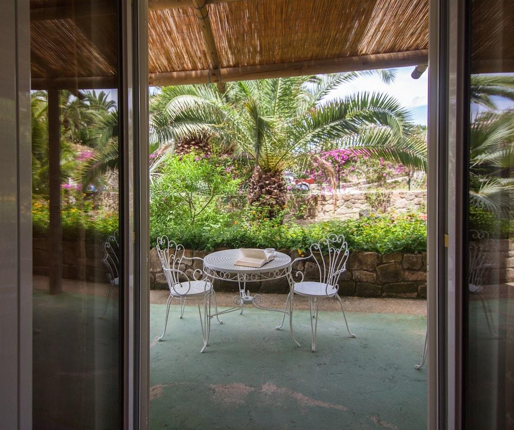 세미라미스 호텔 드 샤름(Semiramis Hotel De Charme) Hotel Image 22 - Terrace/Patio