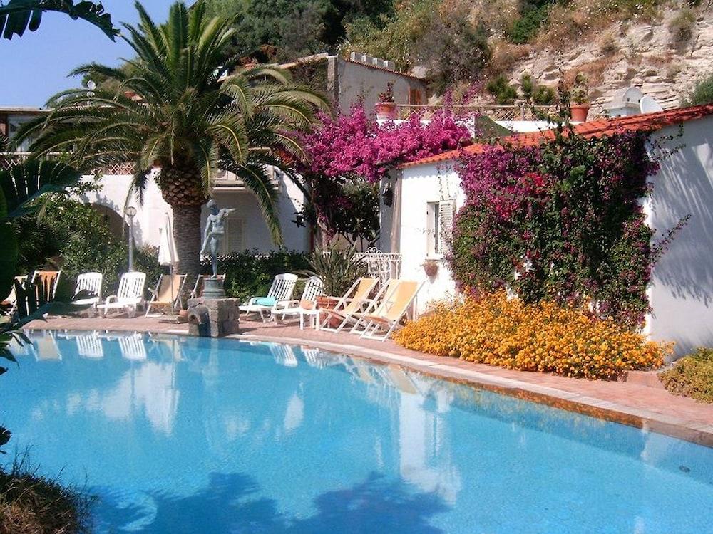 세미라미스 호텔 드 샤름(Semiramis Hotel De Charme) Hotel Image 34 - Outdoor Pool