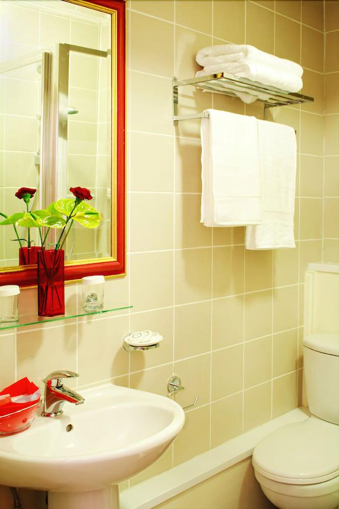 호텔 마케도니아(Hotel Makedonia) Hotel Image 18 - Bathroom