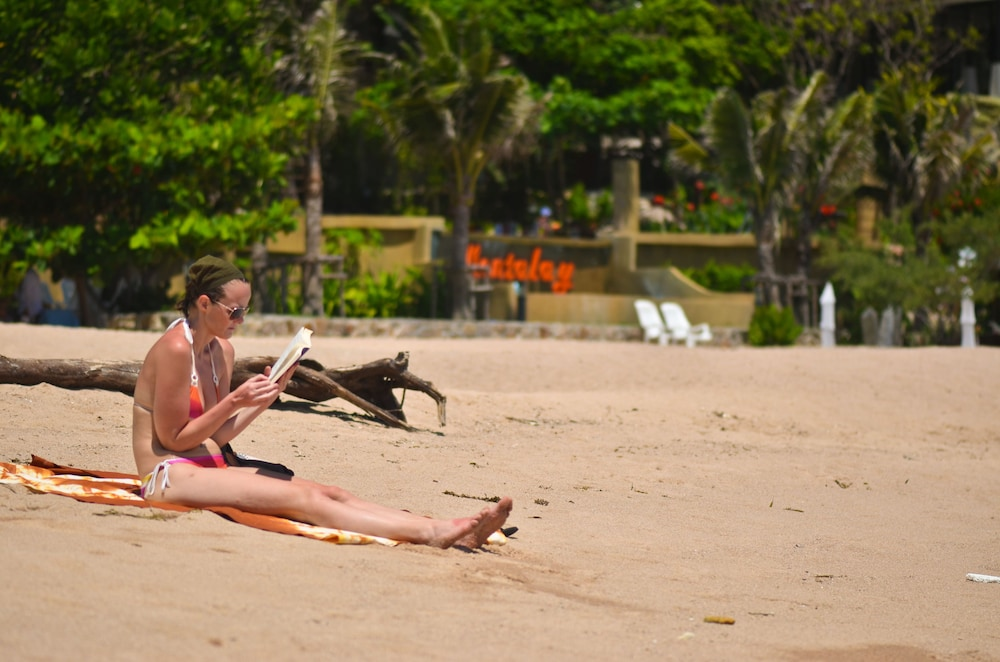 몬탈레이 비치 리조트 코 타오(Montalay Beach Resort Koh Tao) Hotel Image 45 - Beach